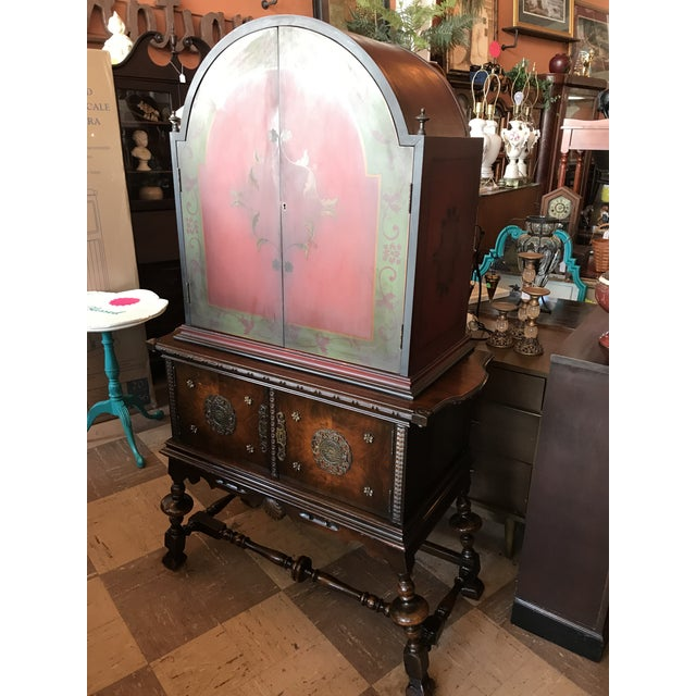 Arch Top Display Cabinet