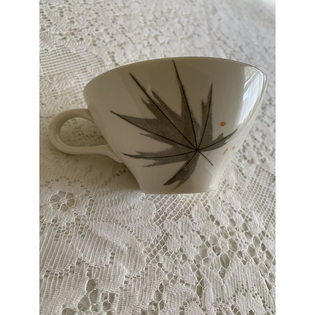 "Mid-Century Modern Vintage Iroquois China ""Harvest Time"" Coffee/Tea/Dessert Set Service for 6 (18 Piece Set) For Sale - Image 3 of 8"