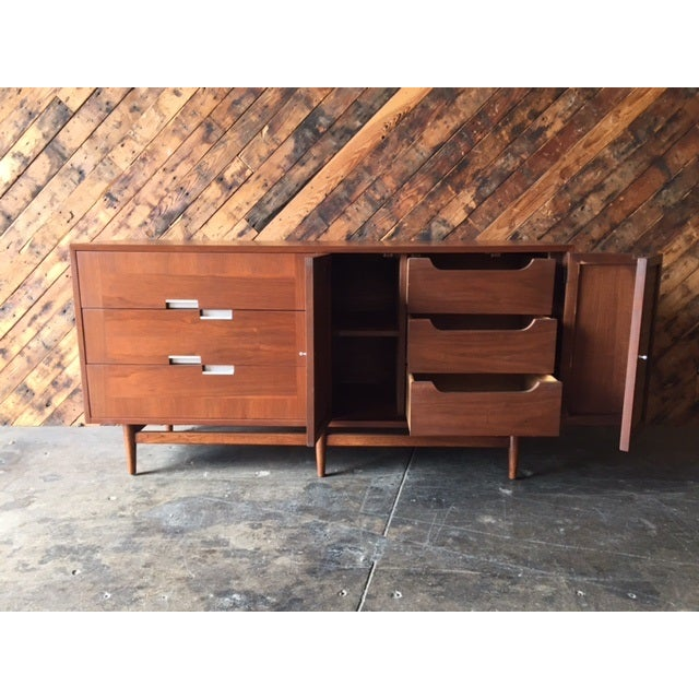 American of Martinsville Mid-Century Dresser For Sale - Image 9 of 10
