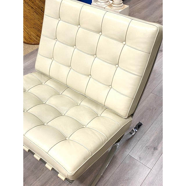 Mid-Century Modern Vintage Leather Barcelona Lounge Chair Beige Chrome Made in Italy Beautiful For Sale - Image 3 of 10