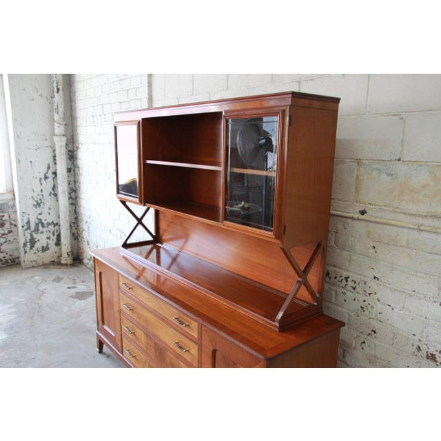 Renzo Rutili for Johnson Furniture Co. Mid-Century Modern Sideboard Credenza with Hutch Top For Sale - Image 5 of 11