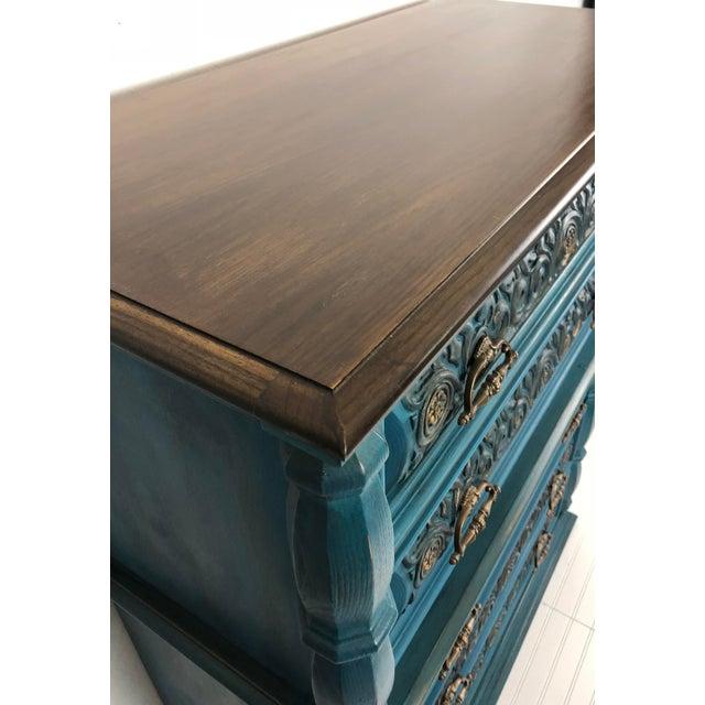 Vintage Bassett Five Drawer Ornate Dresser - Image 2 of 6