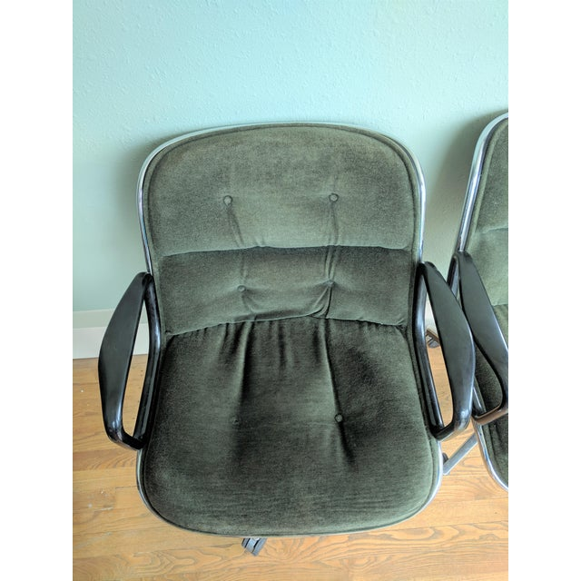 1970s Vintage Knoll Pollock Green Mohair Velvet Executive Chairs - a Pair For Sale - Image 5 of 13