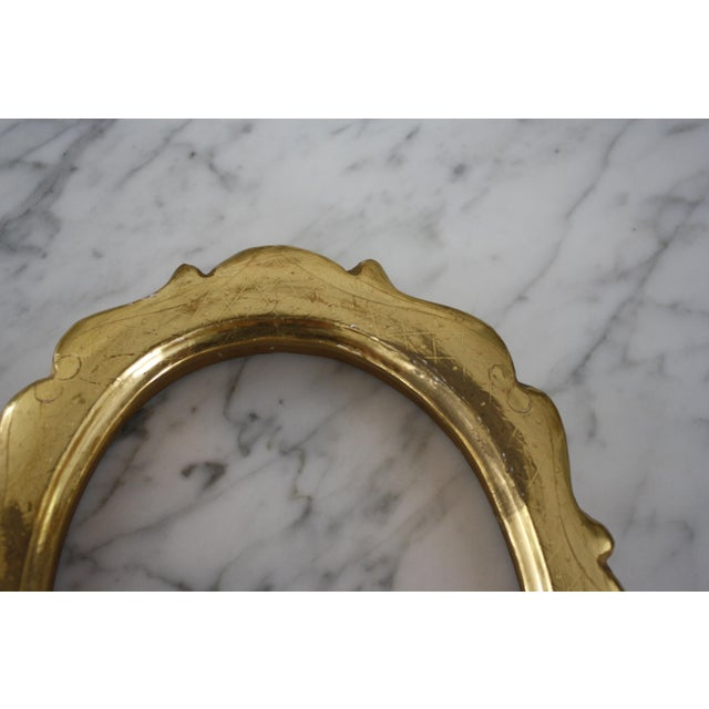Pair of Gilt Oval Frames For Sale - Image 4 of 13