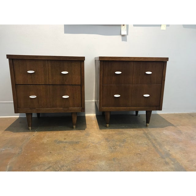Mid-Century Modern Walnut Nightstands - a Pair For Sale In San Francisco - Image 6 of 6