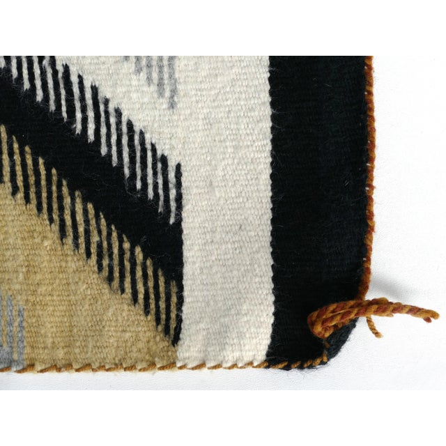 1940s Original Hand-Woven Navajo Rug For Sale In Miami - Image 6 of 8