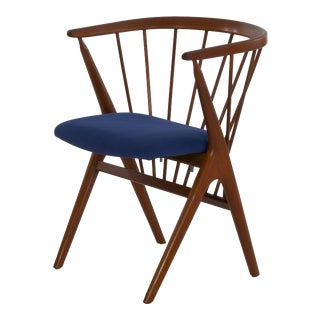 """Danish Mid-Century Modern Spindle-Back Arm Chair """"No. 8"""" by Helge Sibast For Sale"""