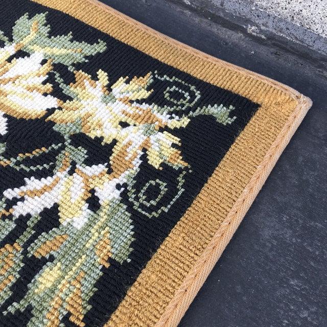 Stark Floral Motif Area Rug - 11′2″ × 14′6″ - Image 9 of 10
