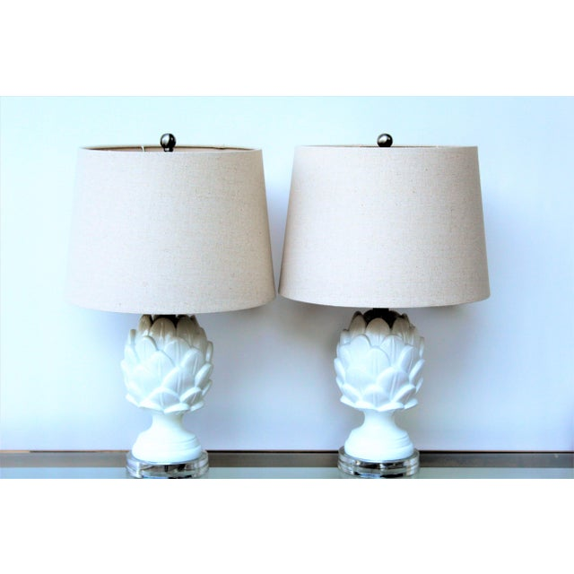 This is a pair of perfect sized white artichoke lamps perfect for almost any room. Very neutral colors could be used for...