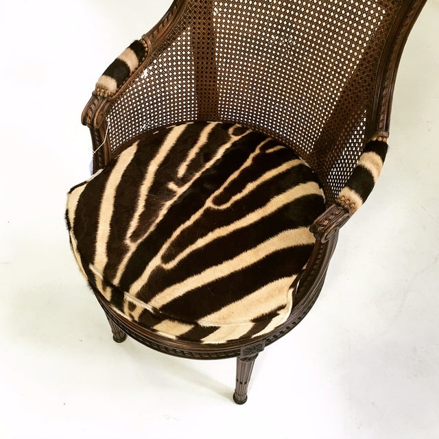 Wood 18th Century George Jacob Mahogany & Cane Swivel Bergere with Custom Zebra Cushion For Sale - Image 7 of 7