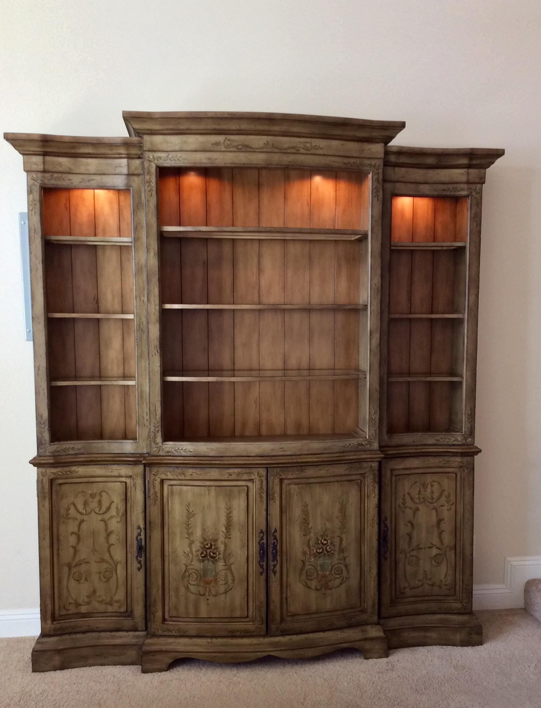 Genial Media Entertainment Credenza By Hooker (Seven Seau0027s)   Image 3 Of 12