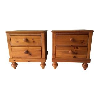 20th Century Country Lexington Cottage Collection Nightstands - a Pair For Sale