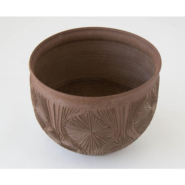 "Robert Maxwell Earthgender Bowl Planter in ""Teardrop Sunburst"" Pattern - Image 2 of 7"