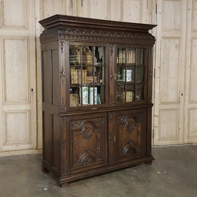 18th Century French Louis XIV Bookcase ~ Vitrine For Sale - Image 13 of 13