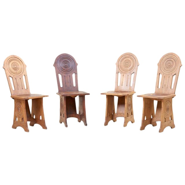 Set of Four Avantgarde Art Deco Chairs, France 1930s For Sale