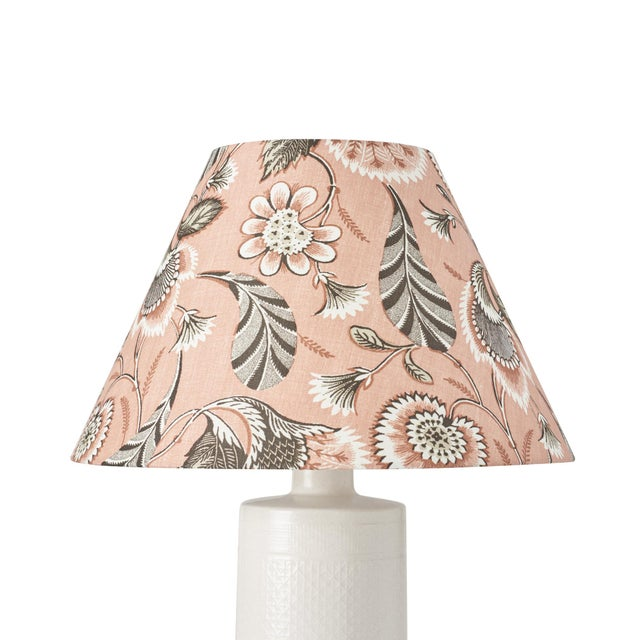 This lampshade features our Ursula pattern in Blush. Ursula is an enchanting combination of crisp, graphic elements and...
