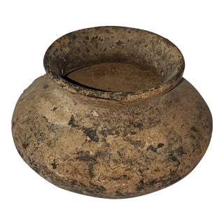 Antiquity 17th Century Native American Cache Pot For Sale