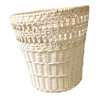 Late 20th Century White Wicker Wastebasket For Sale