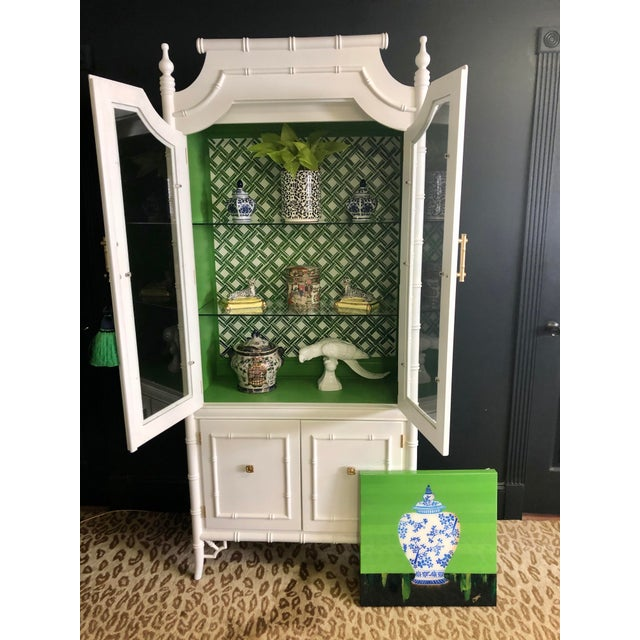 1970s Vintage Thomasville Faux Bamboo China Cabinet For Sale In Savannah - Image 6 of 12