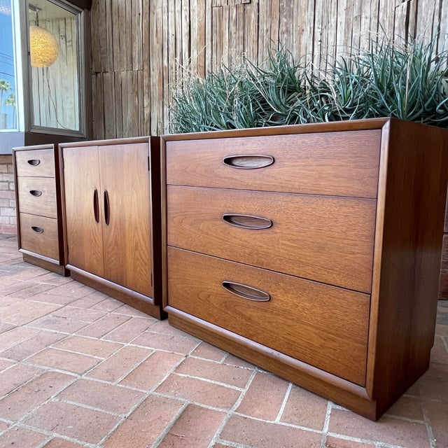 Mid-Century Modern Henredon 'Circa 60' Walnut Cabinets - Set of 3 For Sale - Image 3 of 13