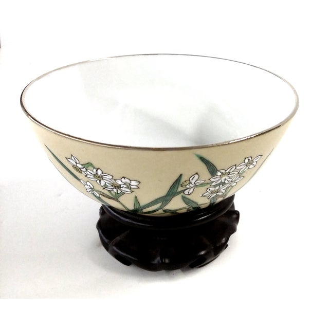 A great little bowl to match with any decor you have going on. This little bowl is very versatile. Use it to store little...