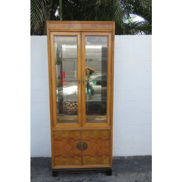 American of Martinsville Hollywood Regency China Display Cabinet Cupboard 2397 For Sale - Image 13 of 13