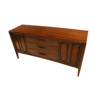 Broyhill Emphasis Mid Century Modern Sculpted Walnut Credenza