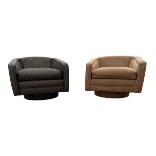 Mid-Century Modern Milo Baughman Style Swivel Club Chairs For Sale