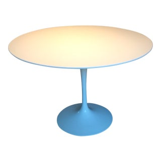 "Saarinen Mid-Century White 42"" Dining Table For Sale"