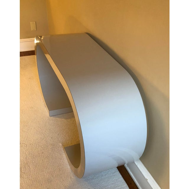 Gray Postmodern Curved Laminate Console Table in Light Gray For Sale - Image 8 of 10