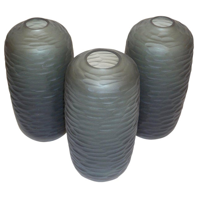 Elegant Venetian vases of organic ovoid shape, in a chic smoked grey Murano glass, blown by Salviati, with a high quality...