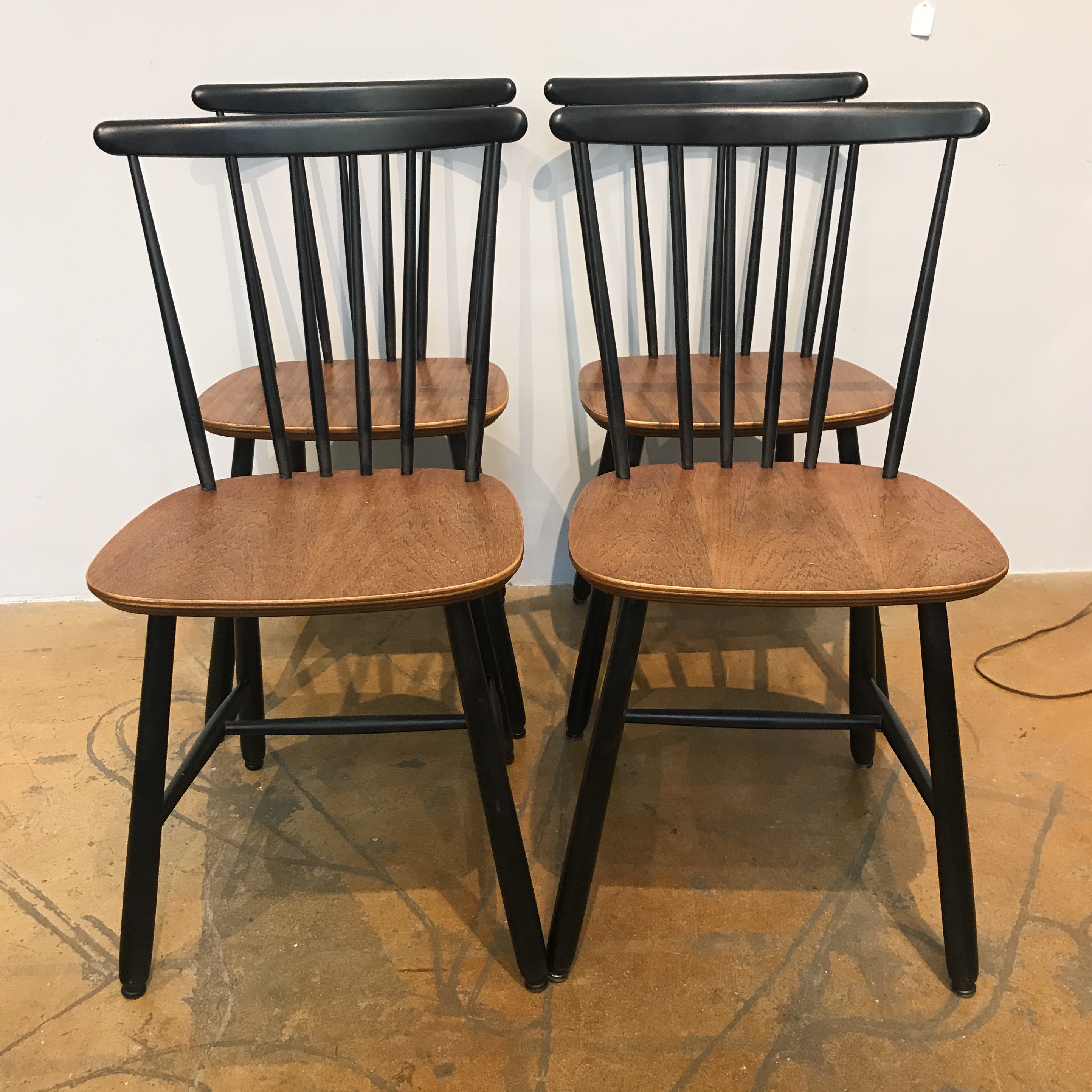 Danish Spindle Back Dining Chairs   Set Of 4   Image 2 Of 6