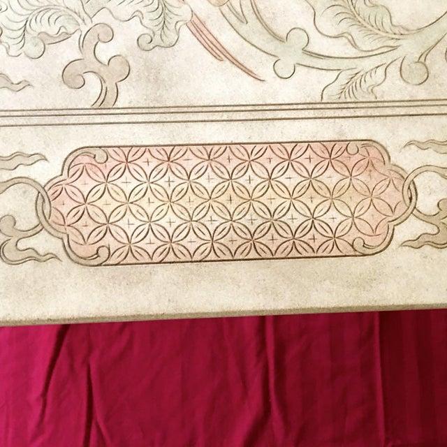 Tan 1980's Chinoiserie Custom John Widdicomb Mario Buatta Incised Phoenix Lamp Table For Sale - Image 8 of 12