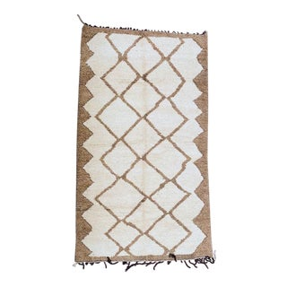1970s Moroccan Beni Ourain Rug-6′6″ × 11′3″ For Sale