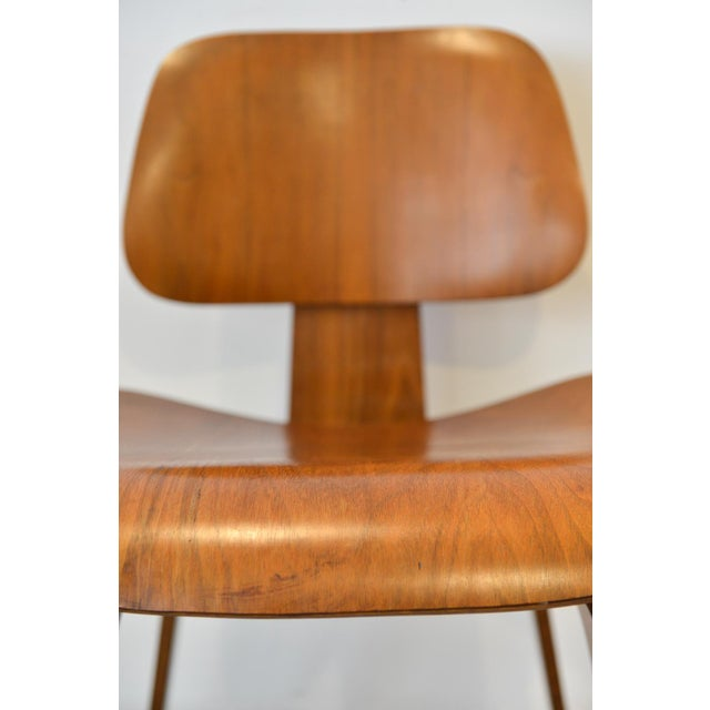 1970s Mid-Century Moderm Eames DCW Molded Plywood Chair For Sale In Los Angeles - Image 6 of 9