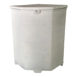 Lloyd Loom White Wicker Hamper For Sale