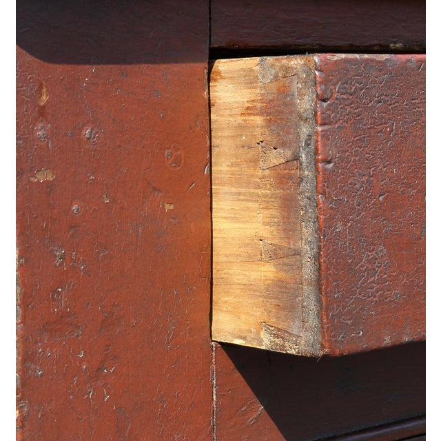 Early 19th Century American Red Painted Two Part Cupboard For Sale - Image 5 of 10