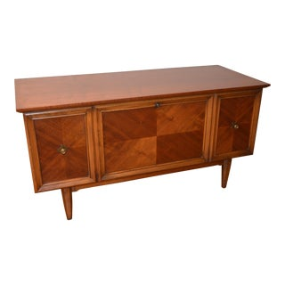 Lane Mid-Century Modern Cedar Chest