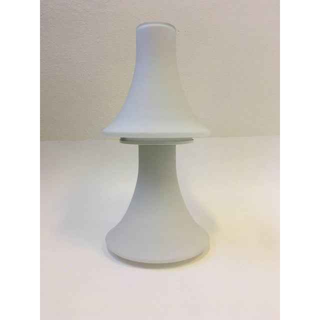 Excellent White Frosted Glass Table Lamp By Laurel Lamps Decaso