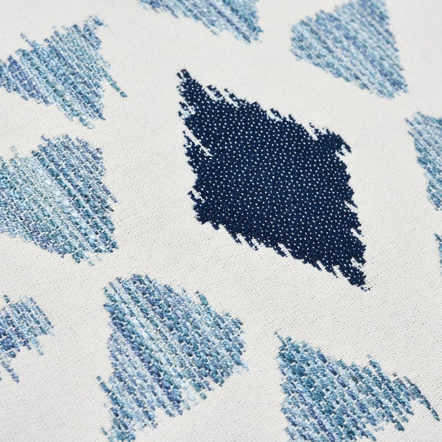 """Early 21st Century Contemporary Schumacher Crusoe Ikat Sky Two-Sided Cotton Pillow - 20ʺW × 20""""H For Sale - Image 5 of 7"""