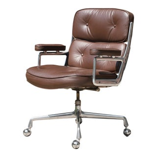 "Eames ""Time-Life"" Executive Chair in Original Leather by Charles & Ray Eames for Herman Miller For Sale"