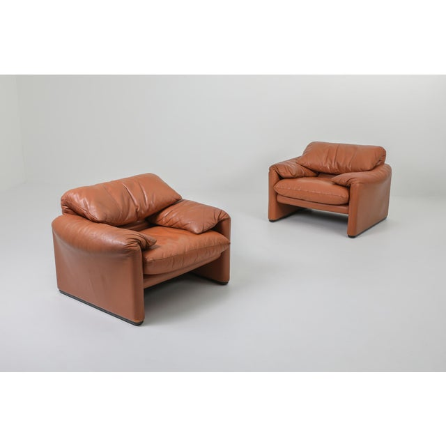 Mid-Century Modern 1970s Maralunga Cognac Leather Club Chairs by Vico Magistretti for Cassina - a Pair For Sale - Image 3 of 11
