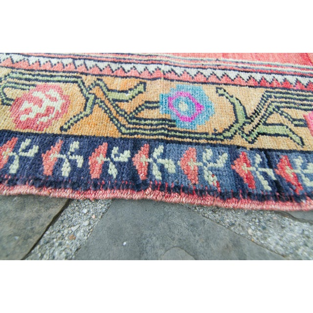 """House of Séance - 1940s Vintage Anatolian Taspinar Oushak Wool Pile Hand-Knotted Rug - 4'10"""" X 8' For Sale - Image 10 of 11"""