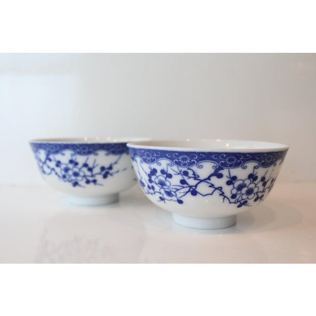 Ceramic Vintage Blue and White Chinese Rice Bowls - a Pair For Sale - Image 7 of 7