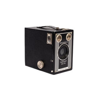 1950s Brownie Target Six-16 Box Camera For Sale
