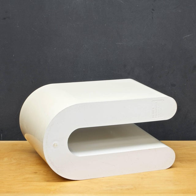Mid-Century Modern Vintage 1960s Rodlofo Bonetto Abstract Plastic Magazine Holder Vessel Minimalist For Sale - Image 3 of 6