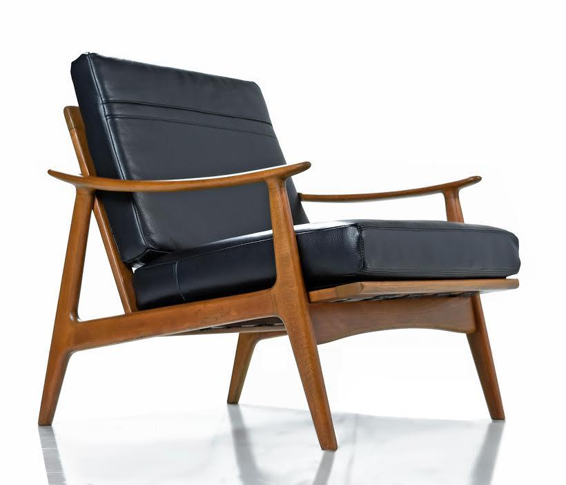 Mid Century Modern Sculpturelle Danish Lounge Chairs By Rubee Solid  Beechwood Black Leather, 1960s
