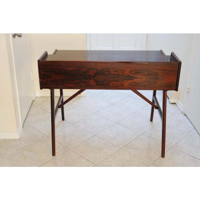 1950s Vintage Arne Wahl Iversen Model 64 Rosewood Vinde Mobelfabrik Desk For Sale - Image 5 of 13