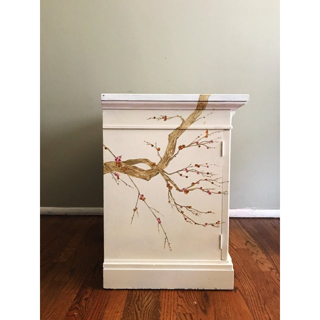 Asian Freehand-Painted Chinoiserie Design Cabinet For Sale - Image 3 of 5