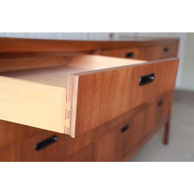 Mid-Century Modern Walnut Twelve-Drawer Dresser or Credenza by Founders For Sale - Image 9 of 13